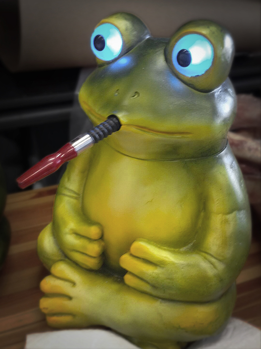 Frog Bong